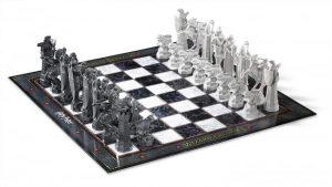 Harry Potter - Wizard Chess Set (NN7580)